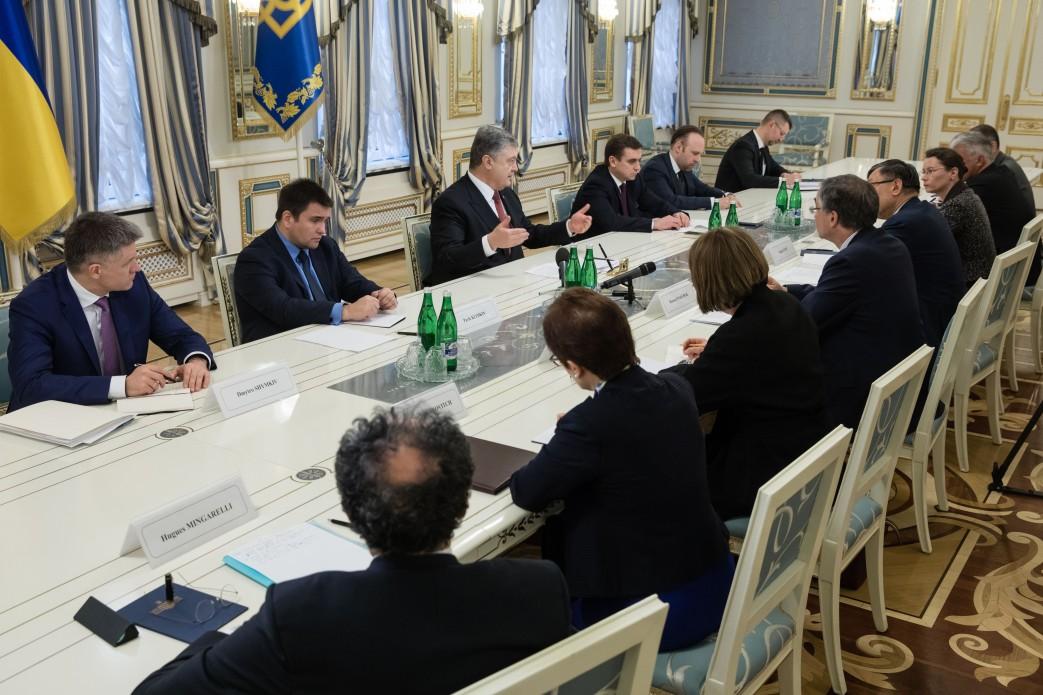 Президент зустрівся з послами країн Великої сімки та Європейського Союзу, акредитованими в Україні