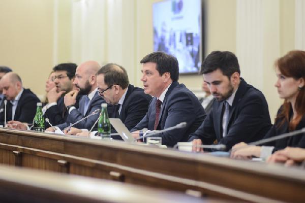 Геннадій Зубко назвав лідерів та аутсайдерів з децентралізації