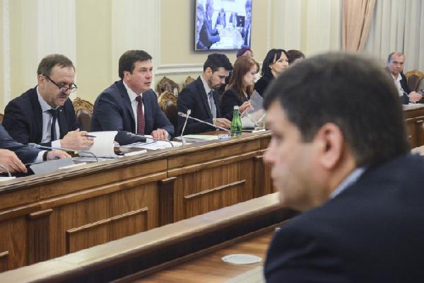 У 2018 році місцеві бюджети зростуть до 230 млрд грн, – Геннадій Зубко