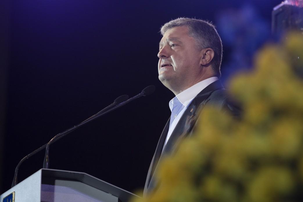 Весь світ вимагає звільнення українського режисера Олега Сенцова і всіх політв'язнів – Глава держави