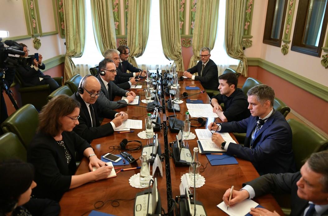 Президент України Володимир Зеленський зустрівся з очільниками зовнішньополітичних відомств Франції та Німеччини