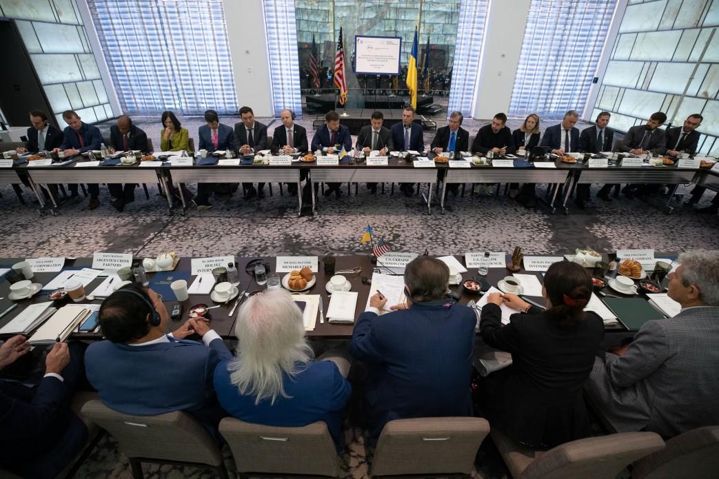 Глава держави на зустрічі з представниками ділових кіл США: Роль моєї команди – не обіцяти реформи, а реально їх проводити