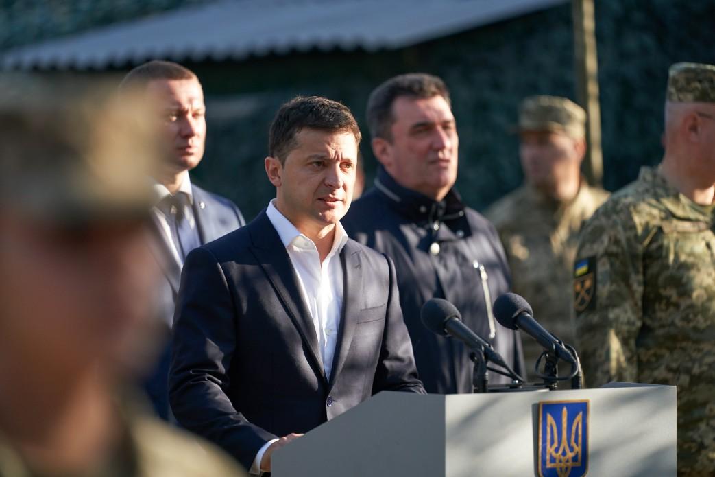 Володимир Зеленський: Україна – незалежна, унітарна й демократична держава, а хто не згоден з цим – матиме справу з нашими захисниками