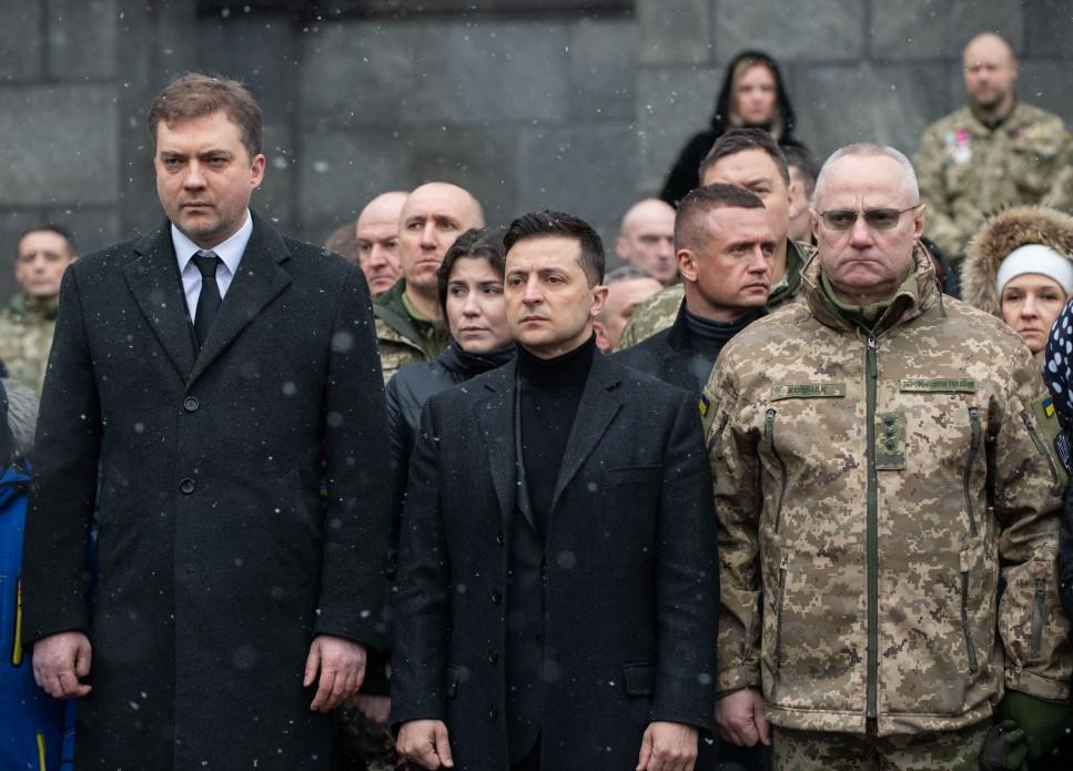 Володимир Зеленський вшанував пам'ять загиблих «кіборгів» – захисників Донецького аеропорту
